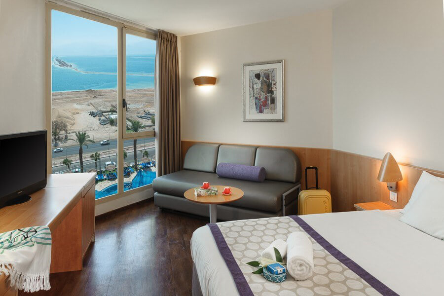 Octopus_Upload_Images_Rooms_privillege-dead-sea-superior-family-pool-view-room-1