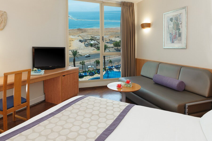 Octopus_Upload_Images_Rooms_privillege-dead-sea-superior-family-pool-view-room-2